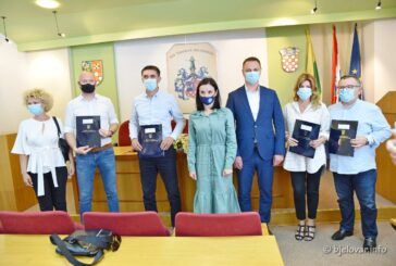 Ministrica poljoprivrede Marija Vučković jučer je posjetila Bjelovarsko-bilogorsku županiju i uručila pet ugovora