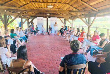 U Romskoj kući u Maglenči održan panel 'Osnaživanje ruralnih žena'