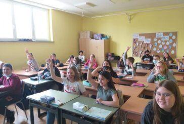 Grad Čazma i ove godine kupuje radne bilježnice i mape za sve svoje osnovnoškolce
