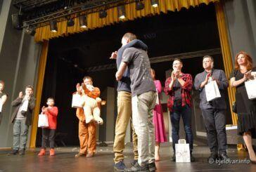 BOK fest: Predstava Narodnog pozorišta Sarajevo 'O medvjedima i ljudima' rasplakala bjelovarsku publiku