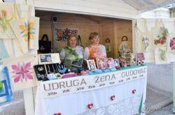 Bjelovar: Izlagači predstavili bogatu ponudu domaćih proizvoda i rukotvorina
