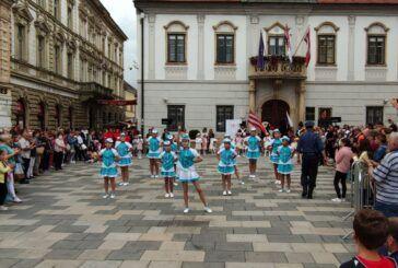Bjelovarske mažoretkinje nastupile u Varaždinu na Špancirfestu – Počeo upis novih mažoretkinja