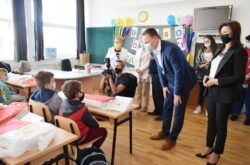 Prvi dan nove školske godine – Župan Marušić s učenicima prvih razreda